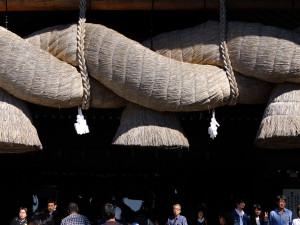 Kagura hall with the largest rope in Japan